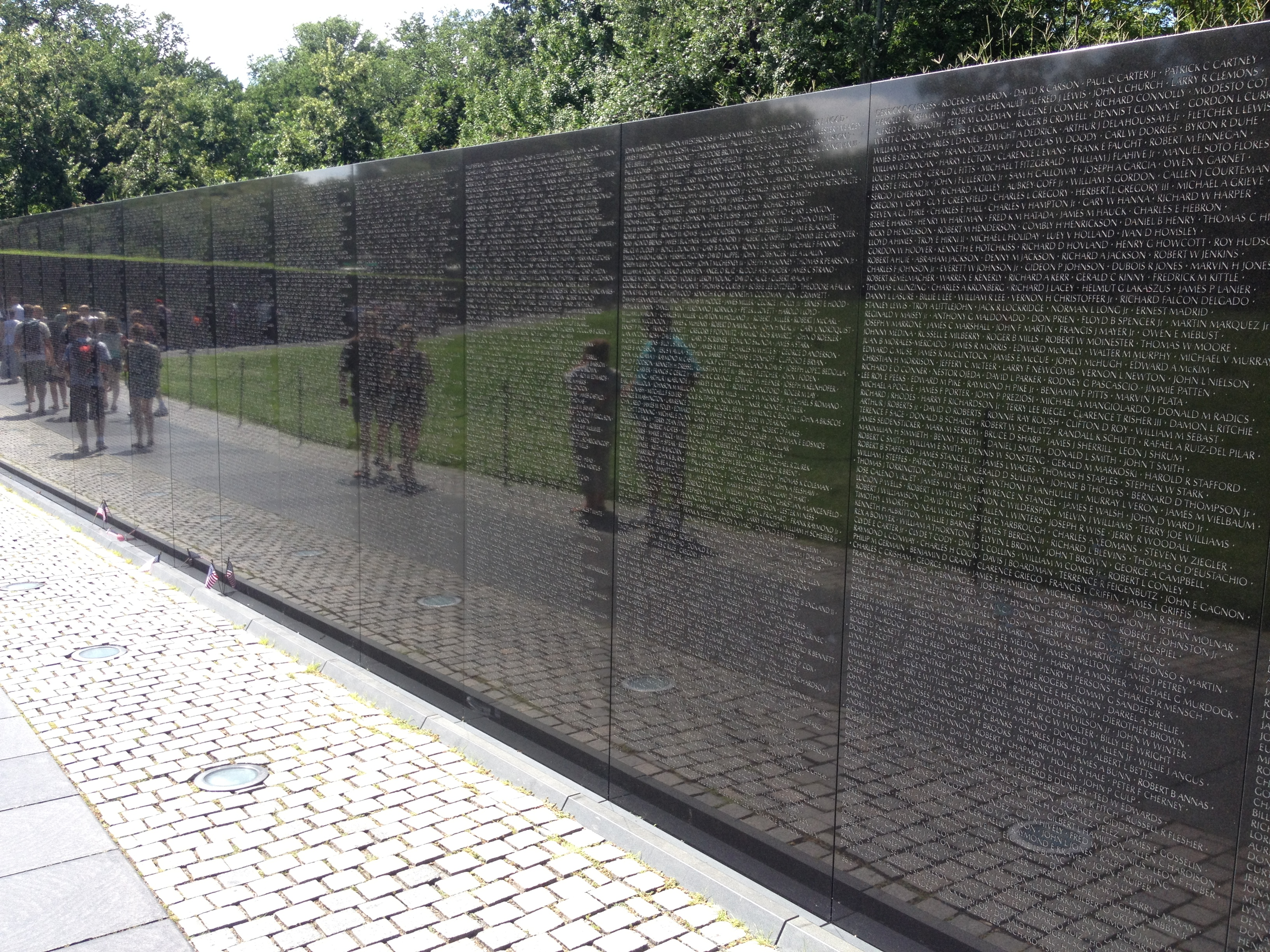 The Memorial Wall Is Made Up Of Two 246u2032 9u2033 Long Gabbro Walls, Etched With  The Names Of The Servicemen Being Honored In Panels Of Horizontal Rows.